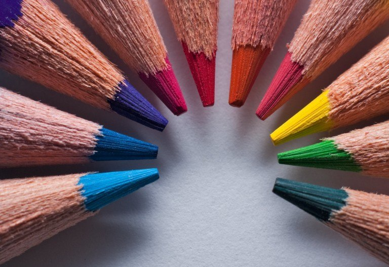 How Color Affects the Marketing of Luxury Travel Brands